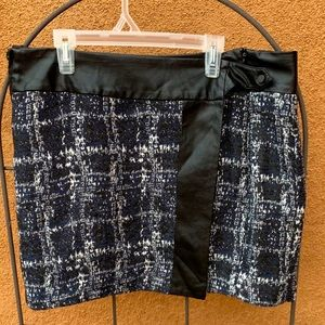 Faux leather/ tweed skirt